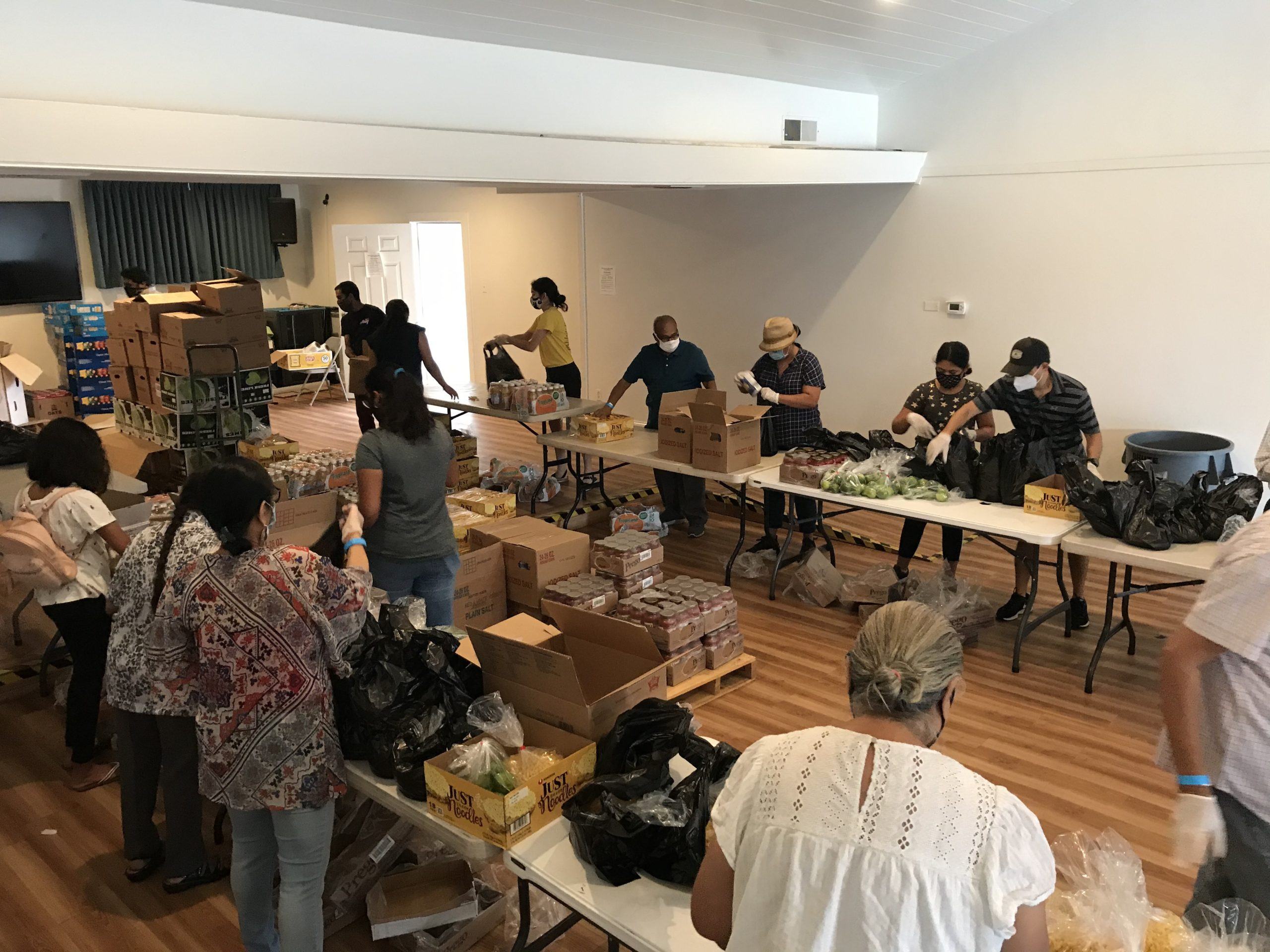 From May 10, 2020, 30 volunteers have created 400 grocery bags every Sunday. These bags consist of 6 items ranging from rice, beans, fruits and vegetables, oil, breakfast goods, canned goods, and juice.